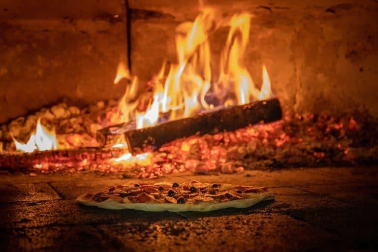 Pizza au feu de bois à Beaulieu sur mer